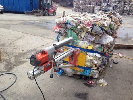 Vorrichtung zur Beprobung von Abfallballen (c) Martin Wellacher